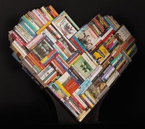 love heart of books